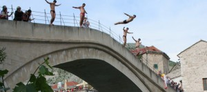 Stari most, Mostar, skokovi