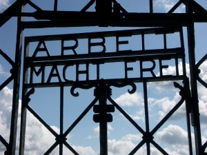 Armait macht frei, Dachau