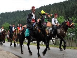 Ajvatovica, Prusac, konjanici