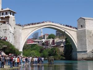 Mostar, Stari most, skokovi
