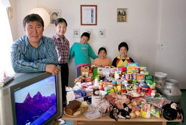 Porodica Madsen sa Grenlanda. Oni sedmično na namirnice troše £178