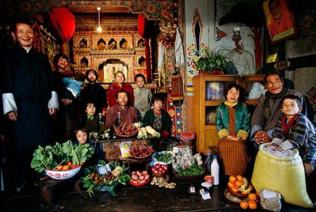 Porodica Namgay iz Butana sa sedmičnom hranom koja vrijedi oko £3.20