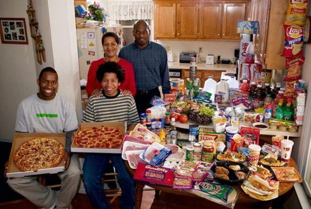 Porodica Revis iz Sjeverne Karoline sa sedmičnom nabavkom hrane od £219