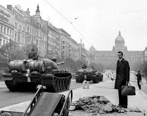 Čehoslovačka, Varšavski pakt