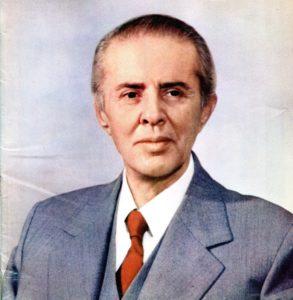 Enver Hoxha, Hodža