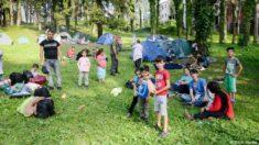 Mnoge izbjegličke obitelji s djecom žive pod vedrim nebom jer nisu uspjele naći smještaj