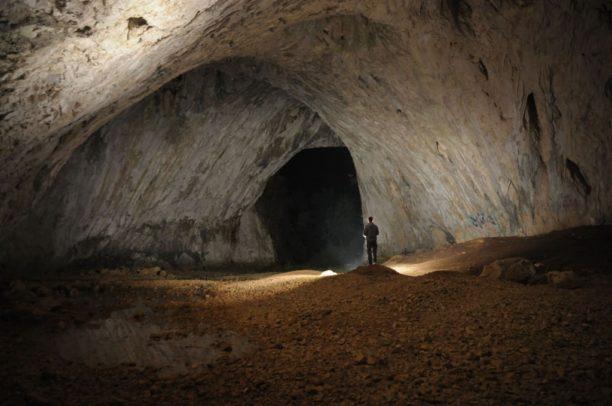 Sanski Most, Dabarska pećina, turizam