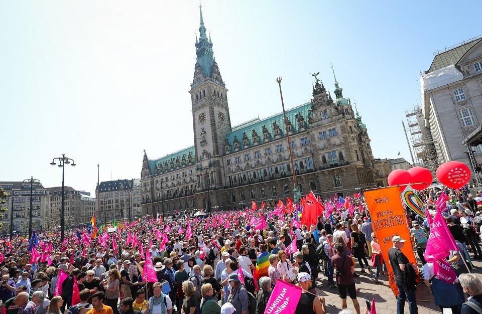 Hiljade Nijemaca marširalo protiv nacionalizma