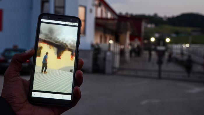 Miral, migranti, požar