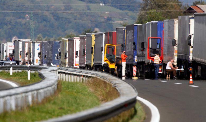 kamioni, transport, granica, gužva, carina