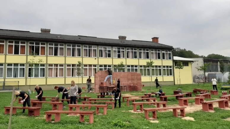 Busovača, škola