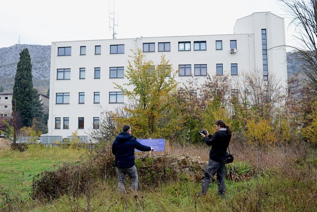 Objekt Vojno-istražnog zatvora u Ljubuškom služio je kao mjesto zatočenja civila i vojnika 1993. godine.